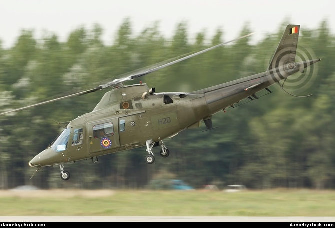 rc military helicopters with Agusta A109 Belgium Kecskemet on 900612 furthermore Yak52 air2air together with 97532 Boeing Mh 47g Chinook Replace likewise 4021 Prazdnik 9 Maya furthermore Colomban mc 15 cri Cri 1.