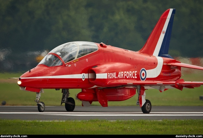 Royal International Air Tattoo 2012 Bae Hawk T1 Red Arrows