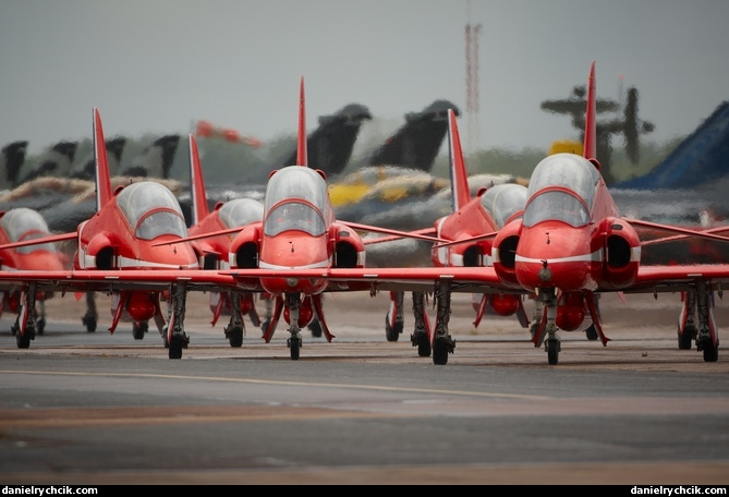 mna saint dizier 2011 red arrows taxiing for the display. Black Bedroom Furniture Sets. Home Design Ideas